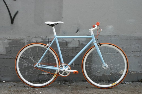 Bicicleta Fixie o Híbrida New Holland