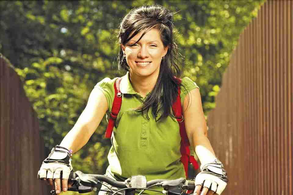 Arma Tu Bici - Mujer que Pedalea